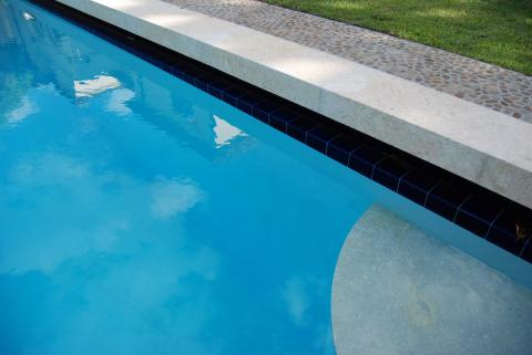 pool06.jpg